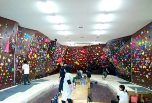 【クライミングジムBUBU大垣店】大垣で遊ぶならクライミングジムBUBUでボルダリングがおすすめ!